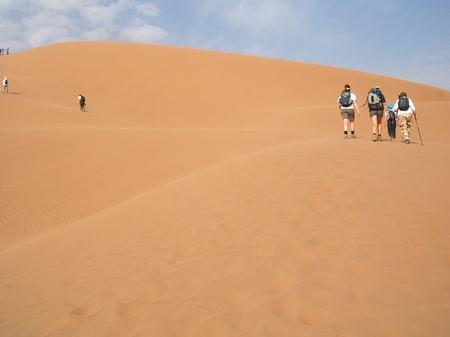 Trek Sahara - climbing Chgaga
