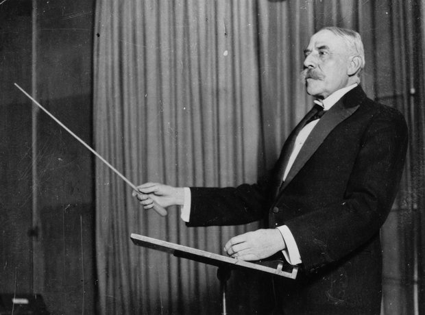 Elgar Conducting
