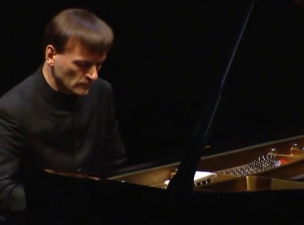 Stephen Hough pianist professor writer blogger