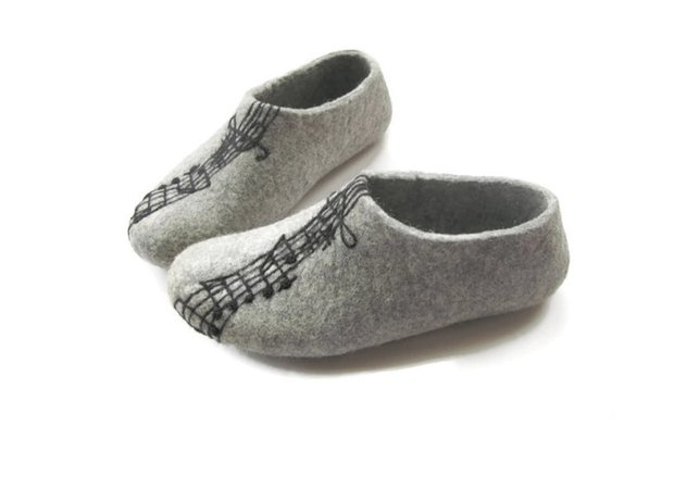 Musical slippers