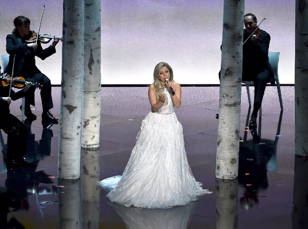 Lady Gaga performs at the Oscars 2015