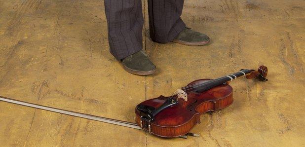 boy violin feet